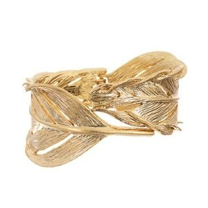 Chloe + Isabel Jewelry - Sculpted Feather Hinged Cuff